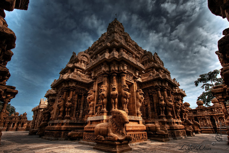 Temple guarded by Lions – Kanchipuram