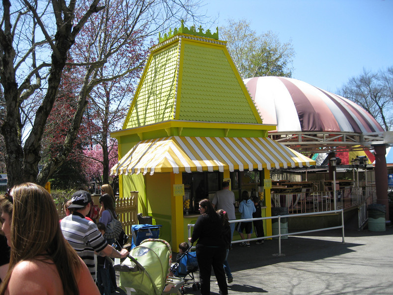 The Lemonade/Pretzel stand was newly painted.