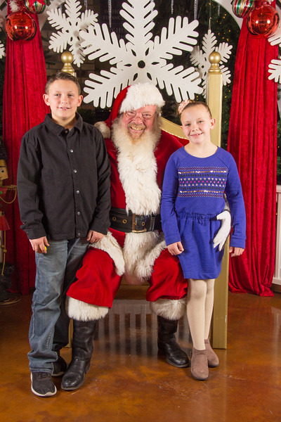 Santa 12-16-17-460.jpg