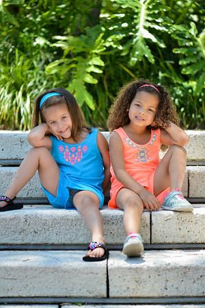 Hannah & Gia