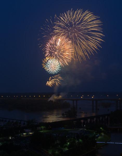 fireworks-3_19476318122_o.jpg
