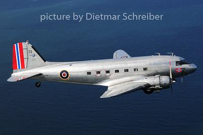 LN-WND Douglas DC3