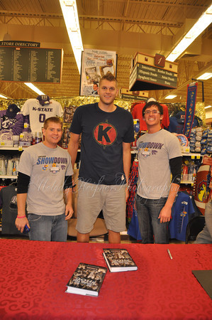 2011 Cole Aldrich, Jason King book signing