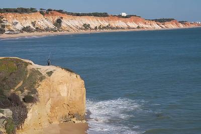 Praia da Falésia : en route and in the distance
