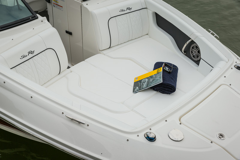 2015-SeaRay-220SD-3176.jpg