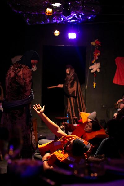 Allan Bravos - Fotografia de Teatro - Indac - Migraaaantes-160.jpg