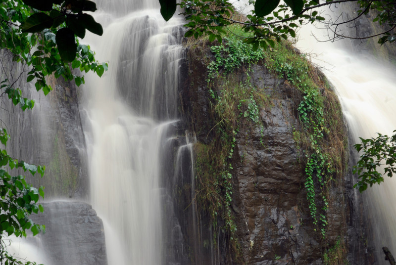 070115 4441 Burundi - Karera Falls _E _L ~E ~L.JPG