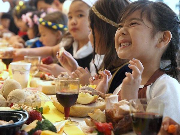 the-feast_5245675252_o.jpg