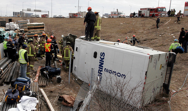 March 30, 2008 - MVC With Entrapment - Highway 409 / Highway 427