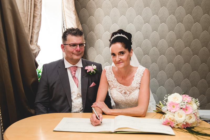 Mr & Mrs Hedges-Gale-58.jpg