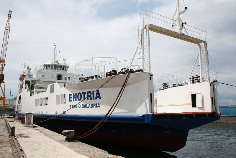 Enotria 2008.06.06 Napoli 3x.JPG