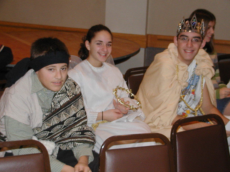 2002-12-21-HT-Christmas-Pageant_104.jpg
