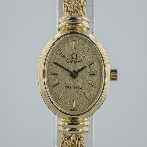 Gold Watch-2710.jpg