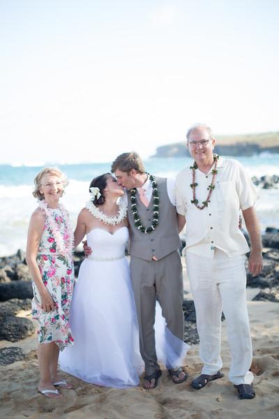 gillin beach kauai wedding-157.jpg