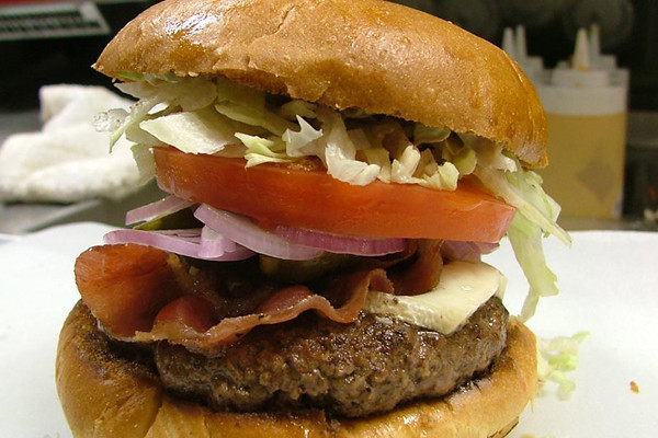 Epik_Burger_BaconBurger.jpg