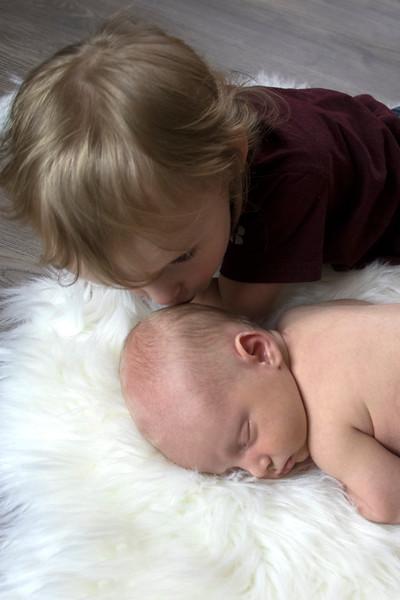 Allie kissing Kaden 8A9A1637.jpg