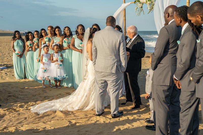 VBWC STAR 10122019 Wedding #83 (C) Robert Hamm.jpg