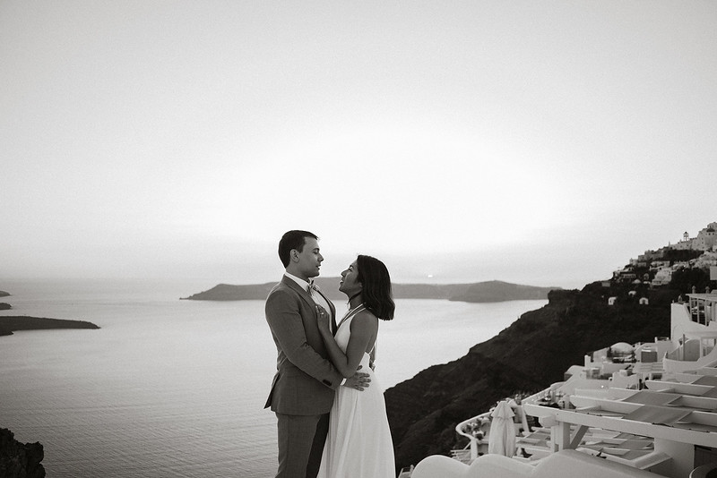 Tu-Nguyen-Destination-Wedding-Photographer-Santorini-Elopement-Alex-Diana-176.jpg