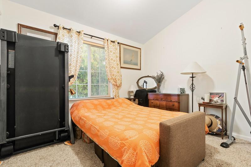 9184 Birch 21 Guest Room.jpg