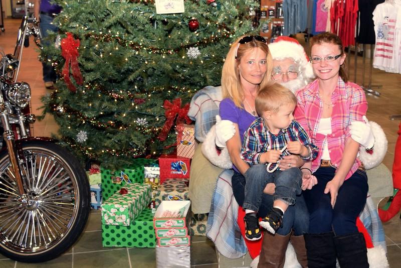 2014 Santa Visits J&P Cycles Florida Superstore (25).JPG