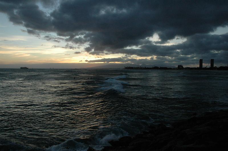 Hawaii - Ala Moana Beach Sunset-87.JPG