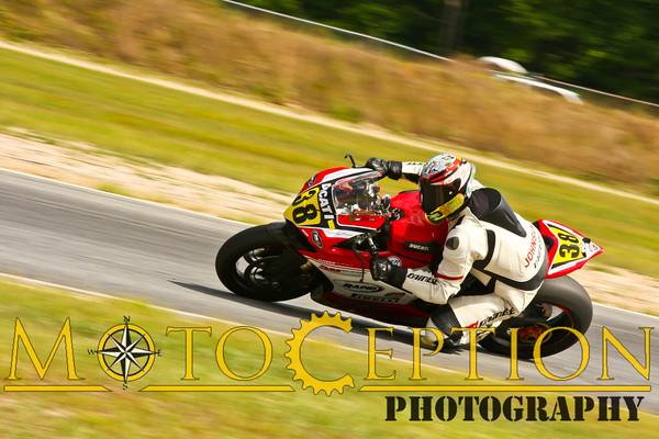 Race 14 - A Superbike Expert & Novice