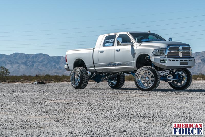 Ridin'-High-Silver-Dodge-Ram-161105-DSC02788-33.jpg