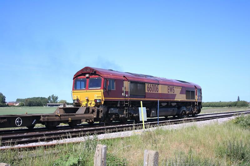 66006 passing Wisbech Road crossing, Manea at 1043/4M79 Felixstowe to East Midlands Gateway