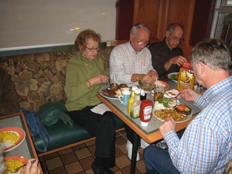 Team Dinner in Restaurant