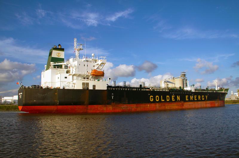 goldenenergyshipside.jpg