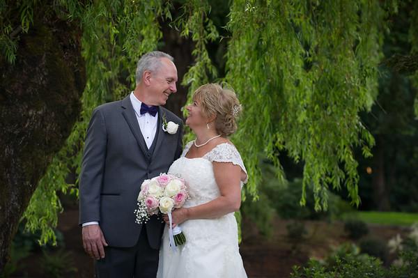 Janet & Richard, June 30, Lakeside Gardens