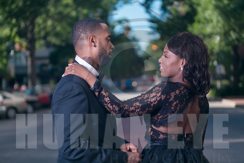 Downtown Coumbia Engagement Sessio