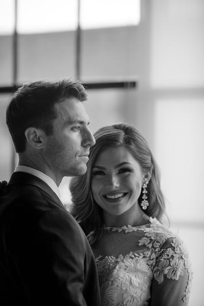 Kate&Josh_B&W_ZACH.WATHEN.PHOTOGRAPHER-309.jpg