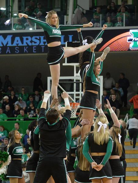 cheerleaders3815.jpg