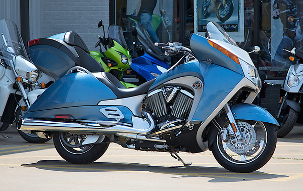 Blue 2009 Victory Vision
