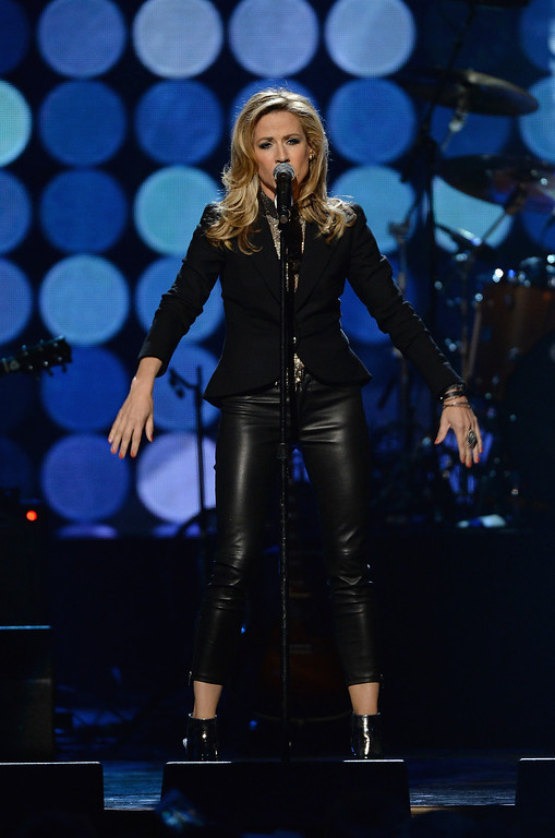 . Musician Sheryl Crow performs onstage at the 29th Annual Rock And Roll Hall Of Fame Induction Ceremony at Barclays Center of Brooklyn on April 10, 2014 in New York City.  (Photo by Larry Busacca/Getty Images)