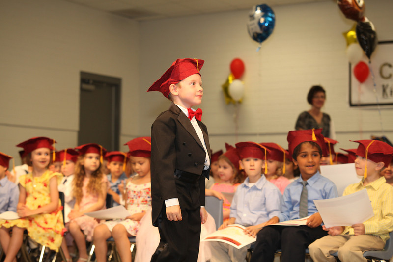 2012May18_MTA Kinder Grad_9712.JPG