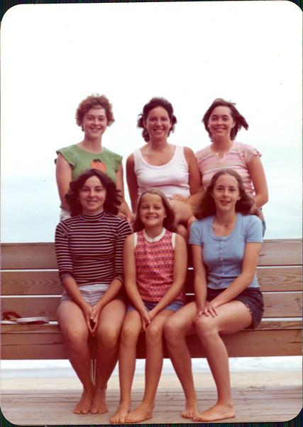 1976 Nina, Betsy W. Gina, Amalia Kirsten Amy.jpg
