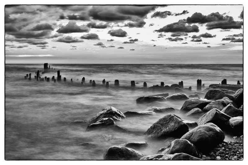 30 Sep 2011 : I posted the colour version of this a few weeks ago, but I think I prefer the black and white version.