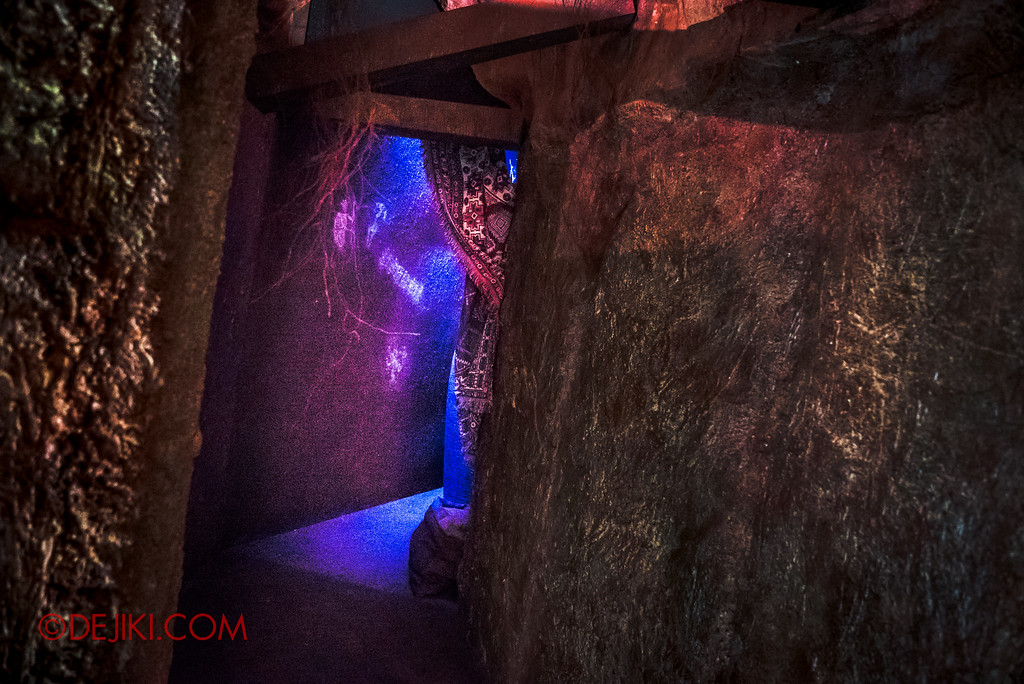Halloween Horror Nights 7 Behind the Scenes: A Tour Inside HEX haunted house - Inside the Hut