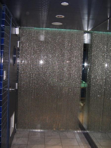 lounge-bathroom-at-the-opus_1810507818_o.jpg
