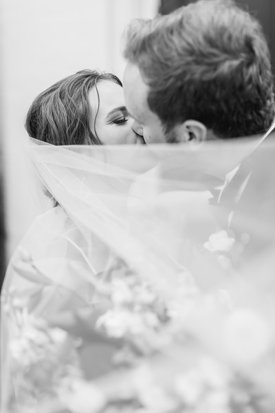 441_Ryan+Hannah_WeddingBW.jpg