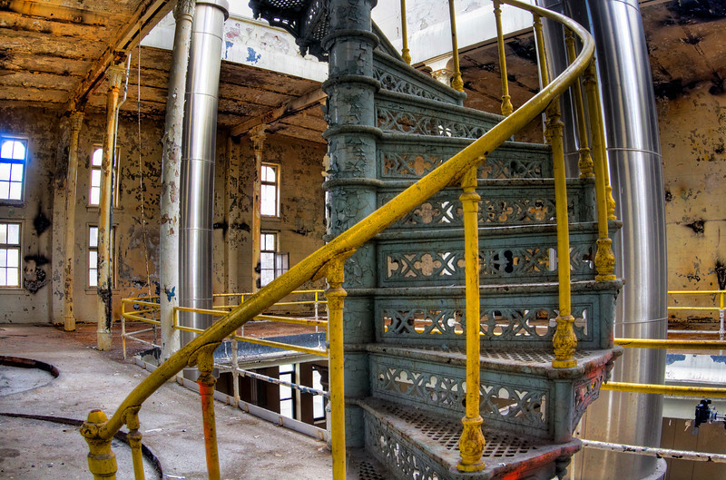 old amazing staircase.jpg