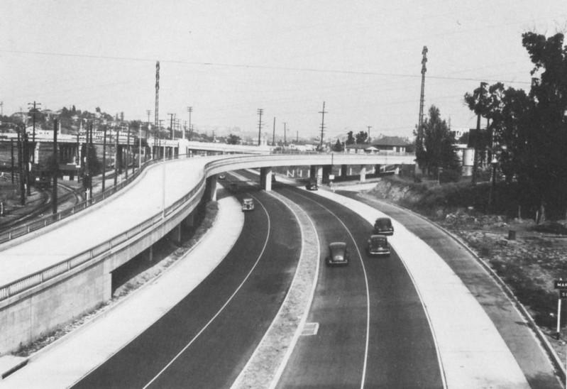 1944LAfreewayAnAppreciativeEssay114-Freeway.jpg