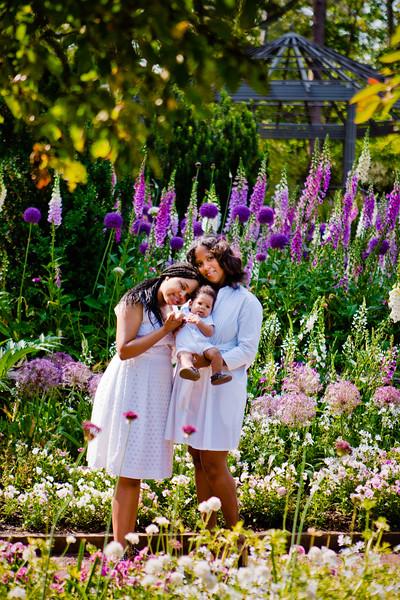 Sarah_P_Dujke_Gardens-DurhamNC-Miller_Family-001_68.jpg