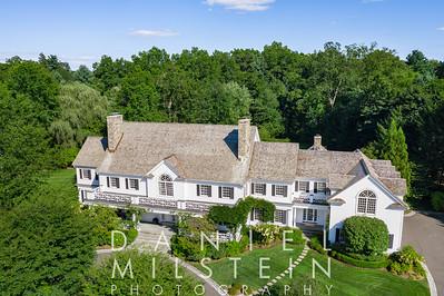 10 Stoneleigh Manor Ln