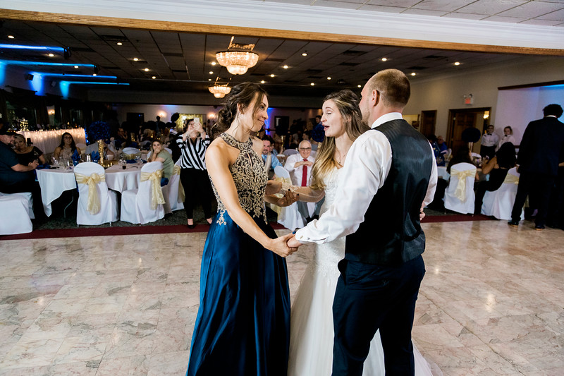 melissa-kendall-beauty-and-the-beast-wedding-2019-intrigue-photography-0440.jpg