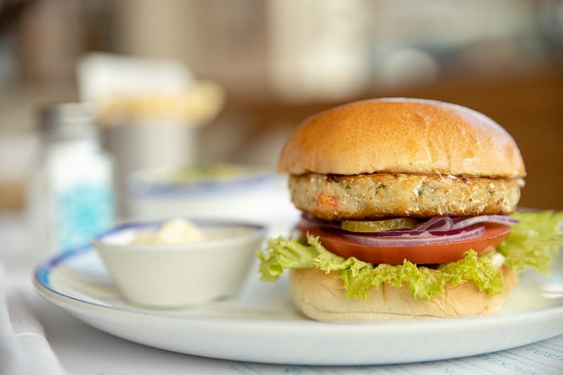 2019-07-02-Rockfish-monkfish-prawn-burger-009.jpg