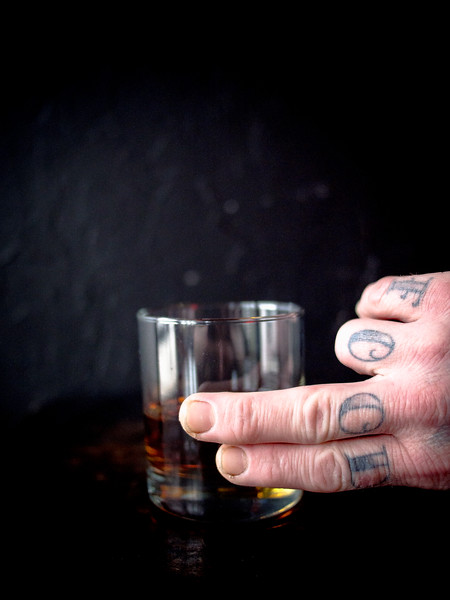 how to drink whisky two fingers 2-2.jpg