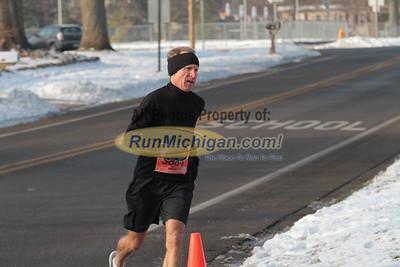 10K & 5K at 2 Mile Mark - 2013 Snowflake Run/Walk